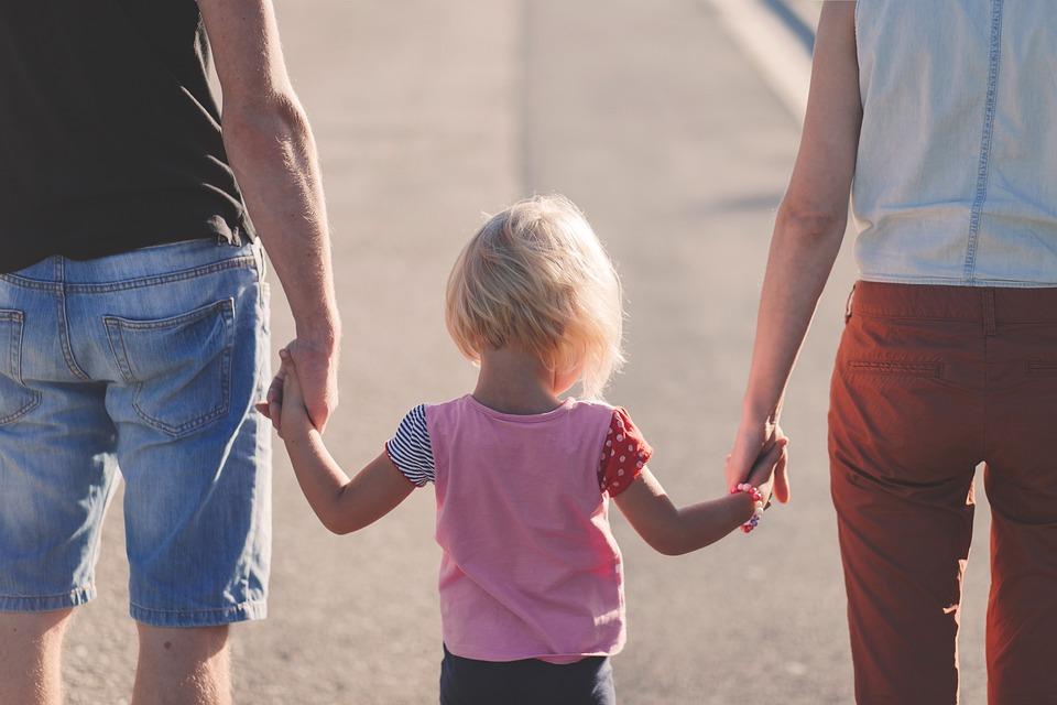 il sostegno alla genitorialità.jpg